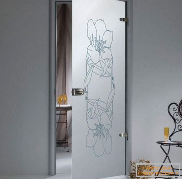 Swing door glass inter-room mate con un estampado de flores